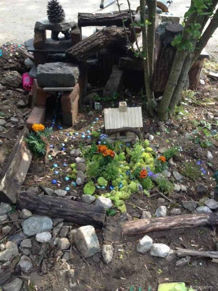 Kid Friendly Fairy Garden : www.theMagicOnions.com