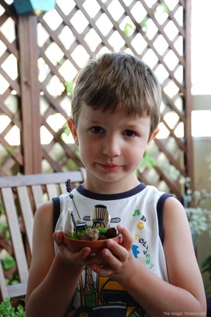 Tiny Fairy Garden : Fairy Garden Contest : www.theMagicOnions.com