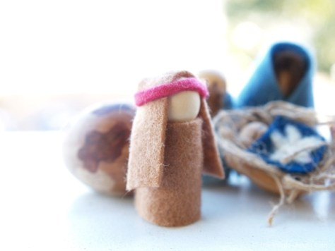 Kid-made Nativity Set : www.theMagicOnions.com