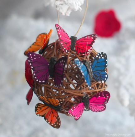 DIY Butterfly Christmas Tree Ornament : www.theMagicOnions.com