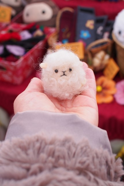 Craft Faire :: Felted Sheep :: www.theMagicOnions.com