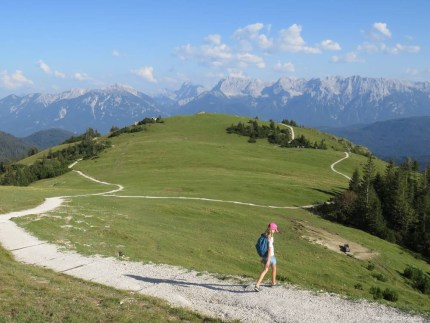 rsz_hiking_in_the_alps