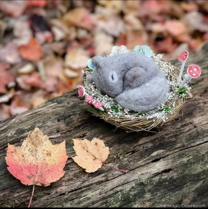Needle felted baby Squirrel from The Magic Onoins - www.theMagicOnions.com