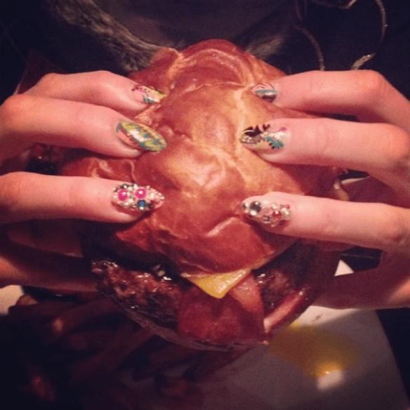 kumaburger nails