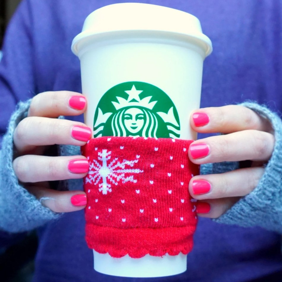 5 min. craft  DIY Mug Cozy Upcycle your Christmas socks