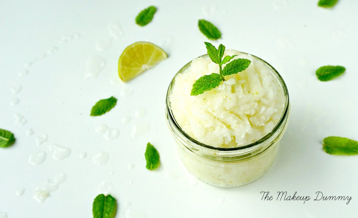 How to make your own easy Virgin Mojito Scrub with coconut oil and lime - perfect for summer! A DIY by The Makeup Dummy