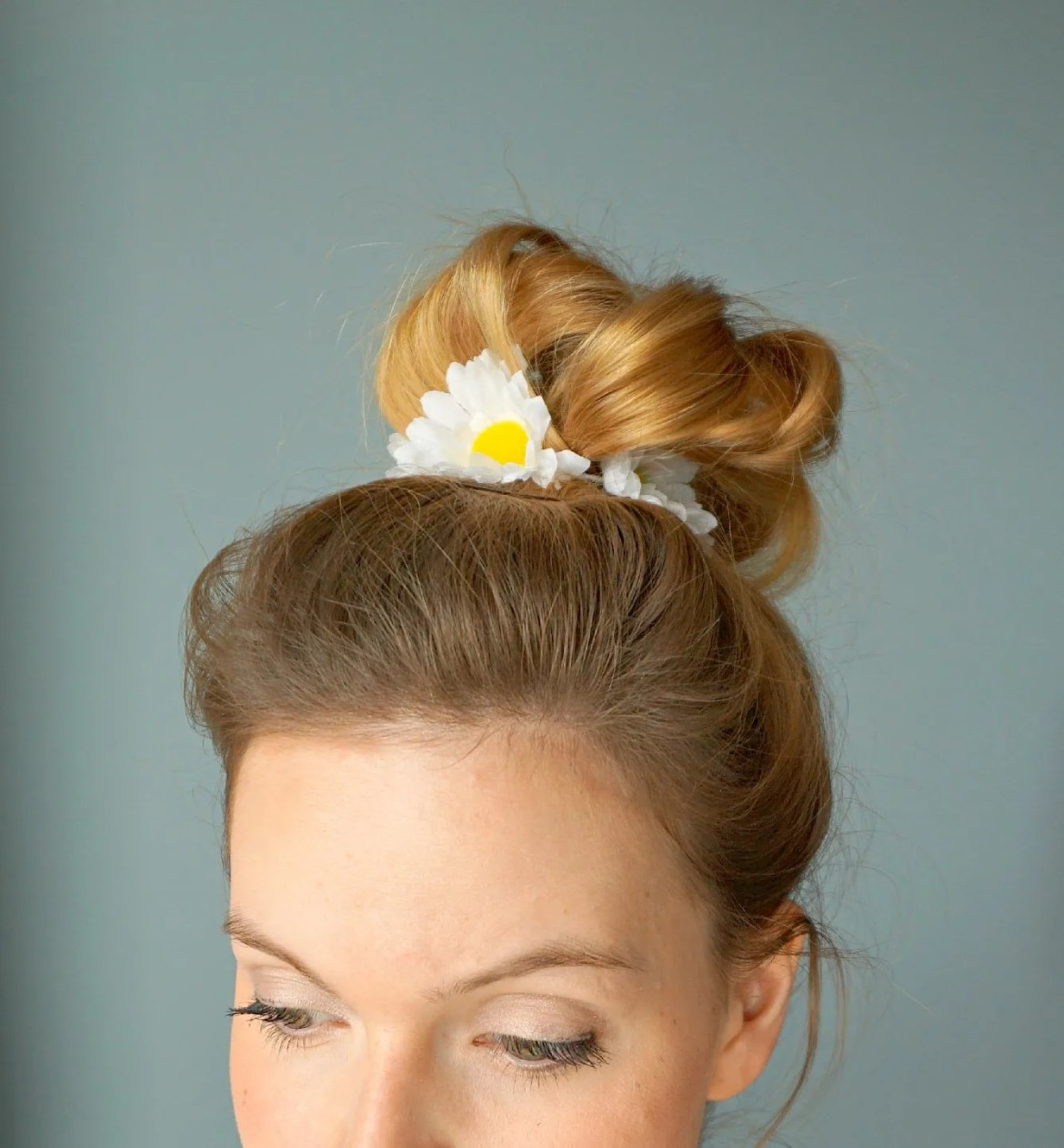 How to make your own Daisies Hair tie | A DIY by The Makeup Dummy