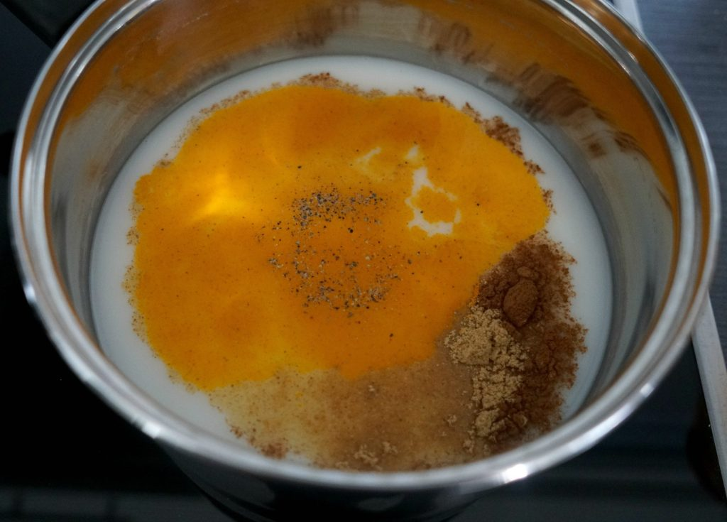 How To make easy golden milk recipe This warming hot drink is anti-inflammatory, vegan and sugar free! DIY by The Makeup Dummy