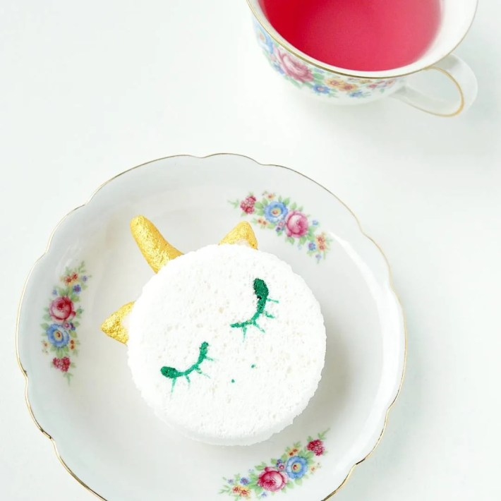 Christmas Gift Idea! These are SO cute! How To make DIY Unicorn Macaroon Bath Bomb Melts! Tutorial by The Makeup Dummy