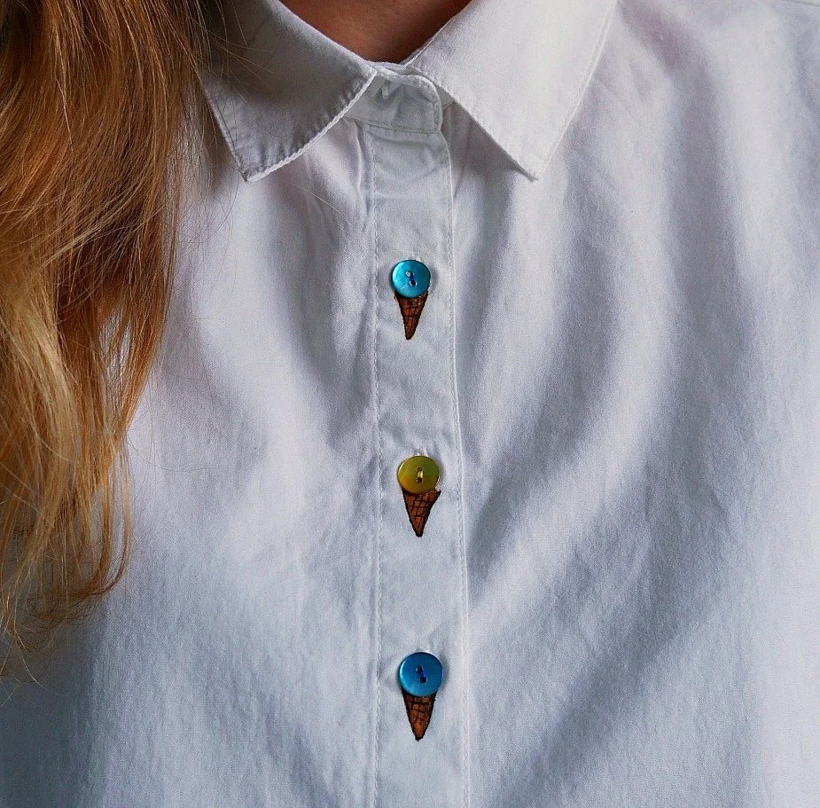 DIY Ice Cream Cone Button Shirt Makeover - The Makeup Dummy