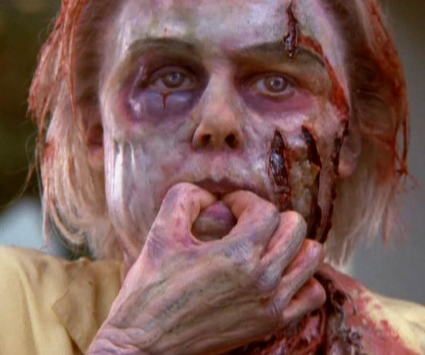 Julie Bowen in An American Werewolf in Paris  the dead