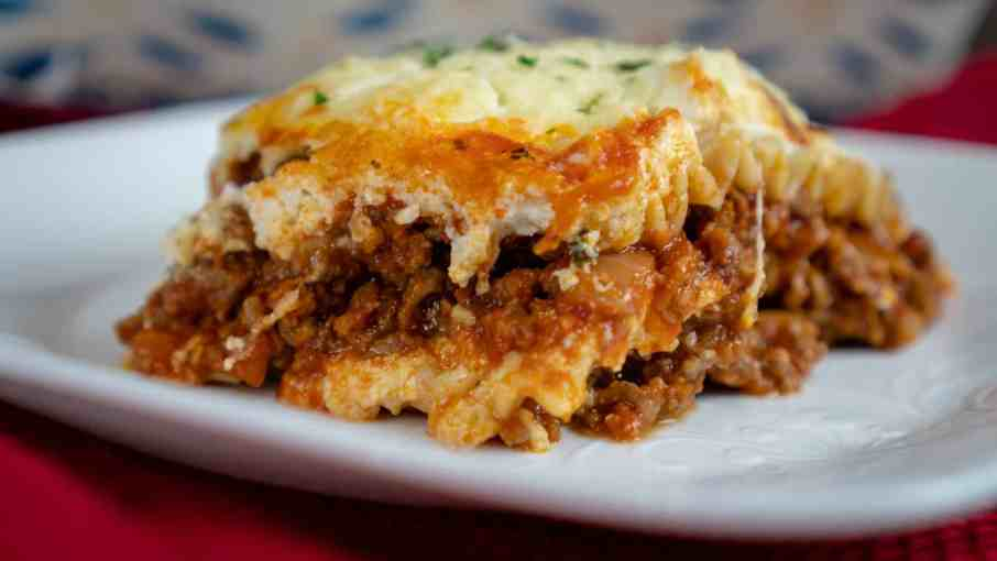 homemade cheesy lasagna