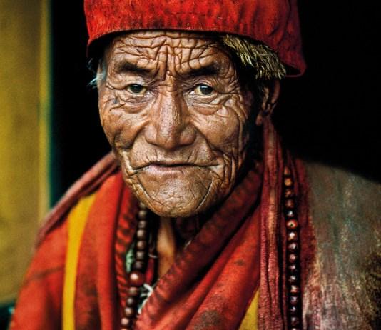 ©Steve McCurry Monk at Jokhang Temple. Lhasa, Tibet, 2000