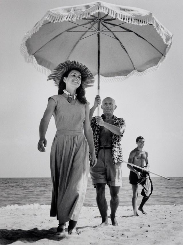 Pablo Picasso and Françoise Gilot, Golfe-Juan, France, August 1948 © Robert Capa © International Center of Photography/Magnum Photos