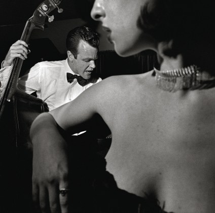 Larry Fink, Little Brown Jug, California - filled in JQ party,1997, Silver gelatin print, 37,3 x 37,2 cm | 14.7 x 14,6 inches, Edition #29.49, Courtesy Spazio Damiani