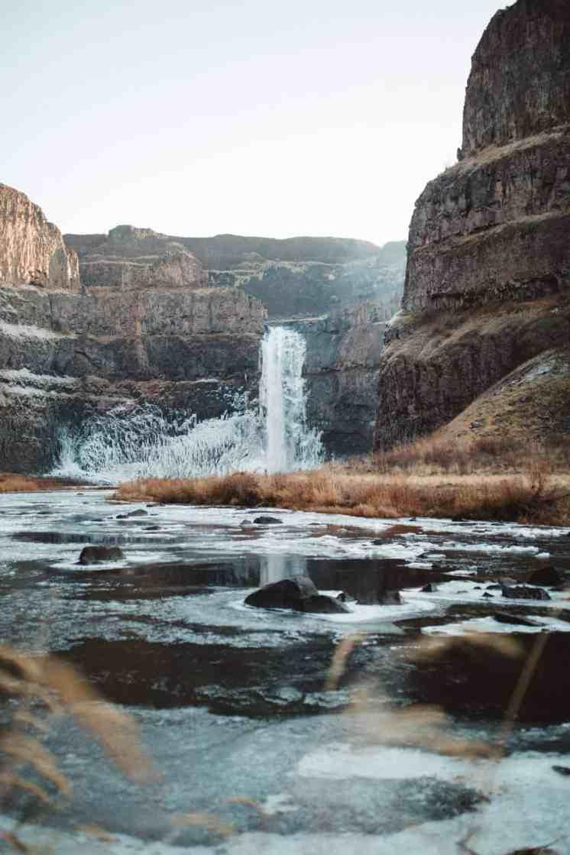 Palouse-falls-themandagies