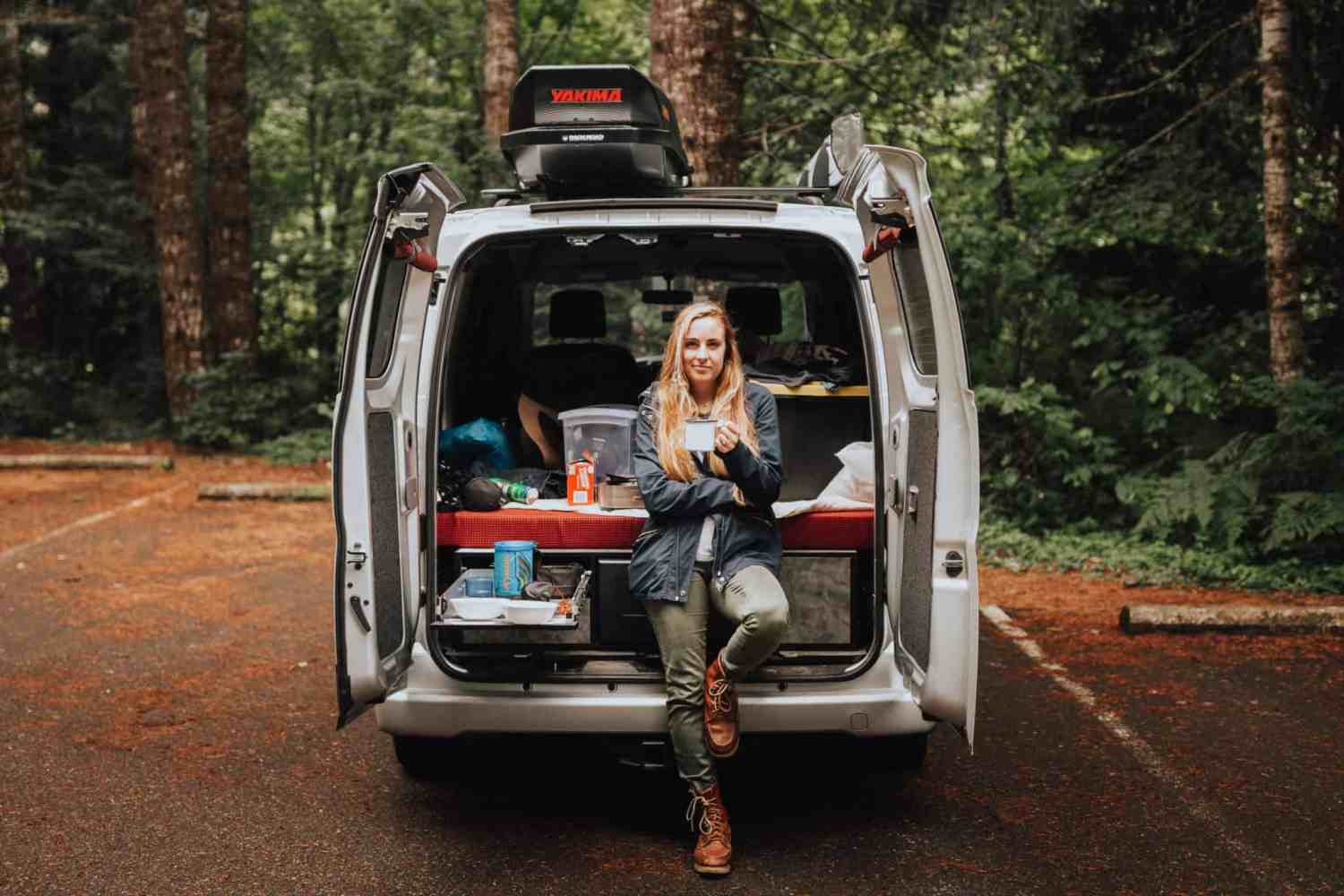 20 brilliant car camping hacks for your best trip yet the mandagies. Black Bedroom Furniture Sets. Home Design Ideas