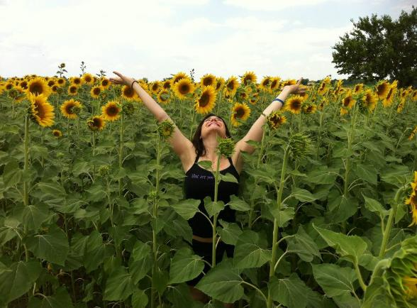 Join Jen Pastiloff in Tuscany for her annual Manifestation Retreat. Click the sunflowers!