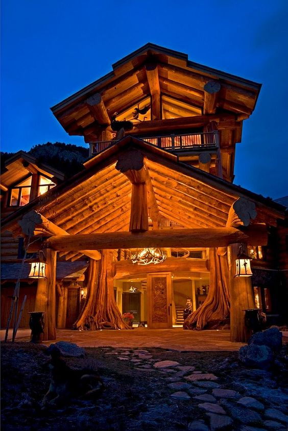 massive luxury cabin entryway