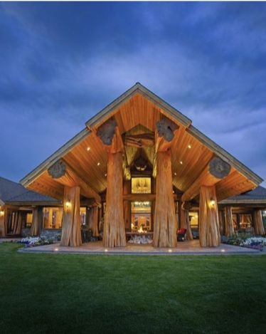 majestic log home