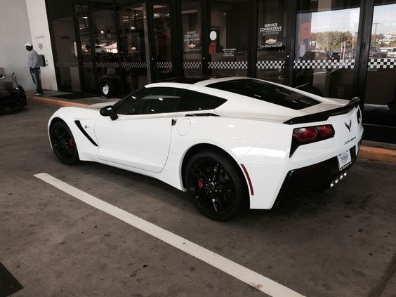 Arctic White Stingray Corvette C7