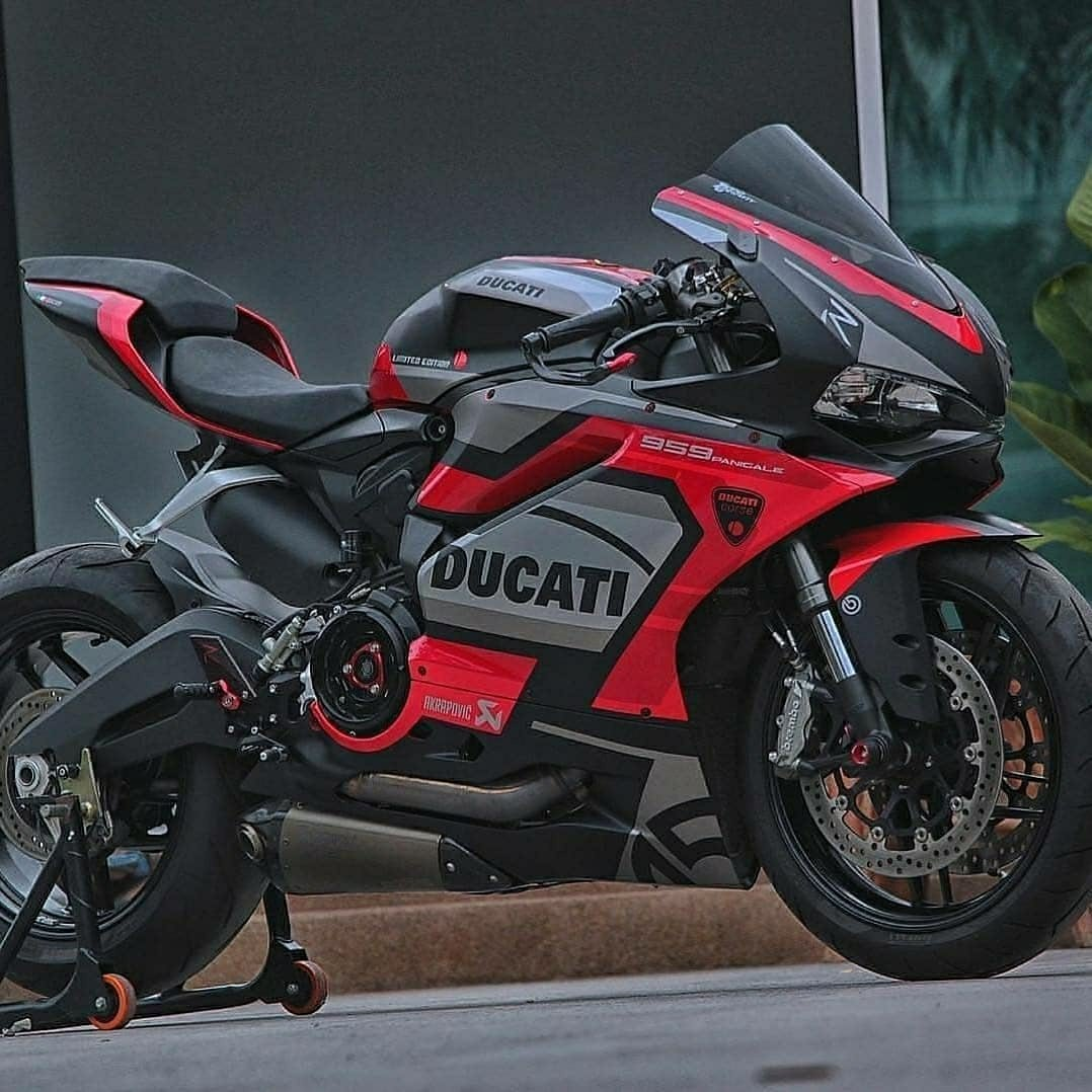 Red and Black Ducati 959 Panigale