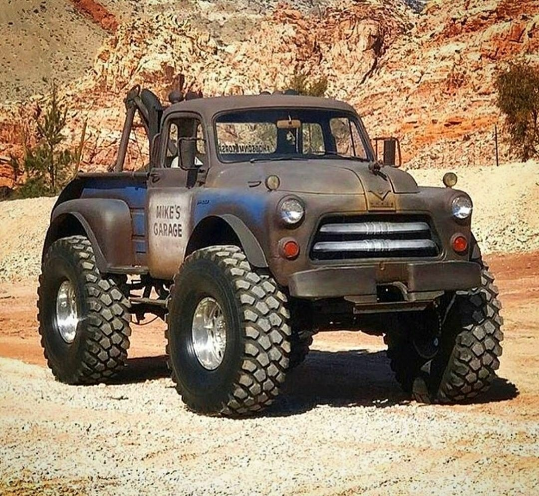 dodge wrecker 4X4