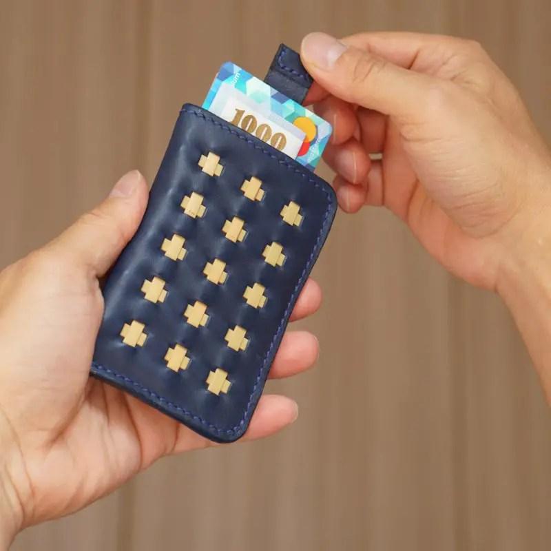 mini wallet marine blue hand