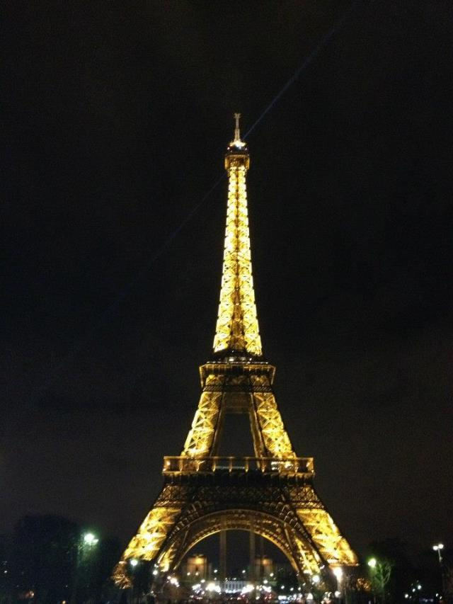 Paris Marriage Proposal: Propose at the Eiffel Towewr