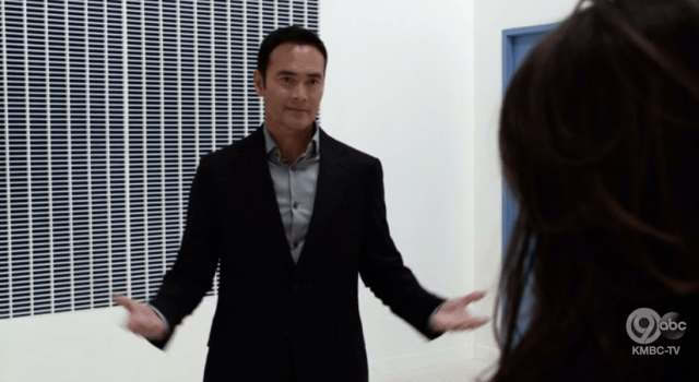 Confession: I kinda like Giyera, and that's 100% Mark Dacascos's fault for giving him dry little gestures like this.