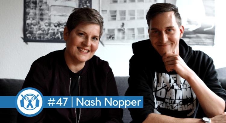 Promoterin Natascha Nash Nopper sitzt neben ThemaTakt-Podcast-Host Tobias Wilinski