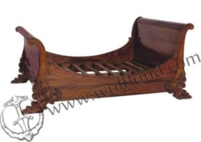 a French sleigh bed