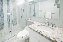 condoinwhite-bathroom-2