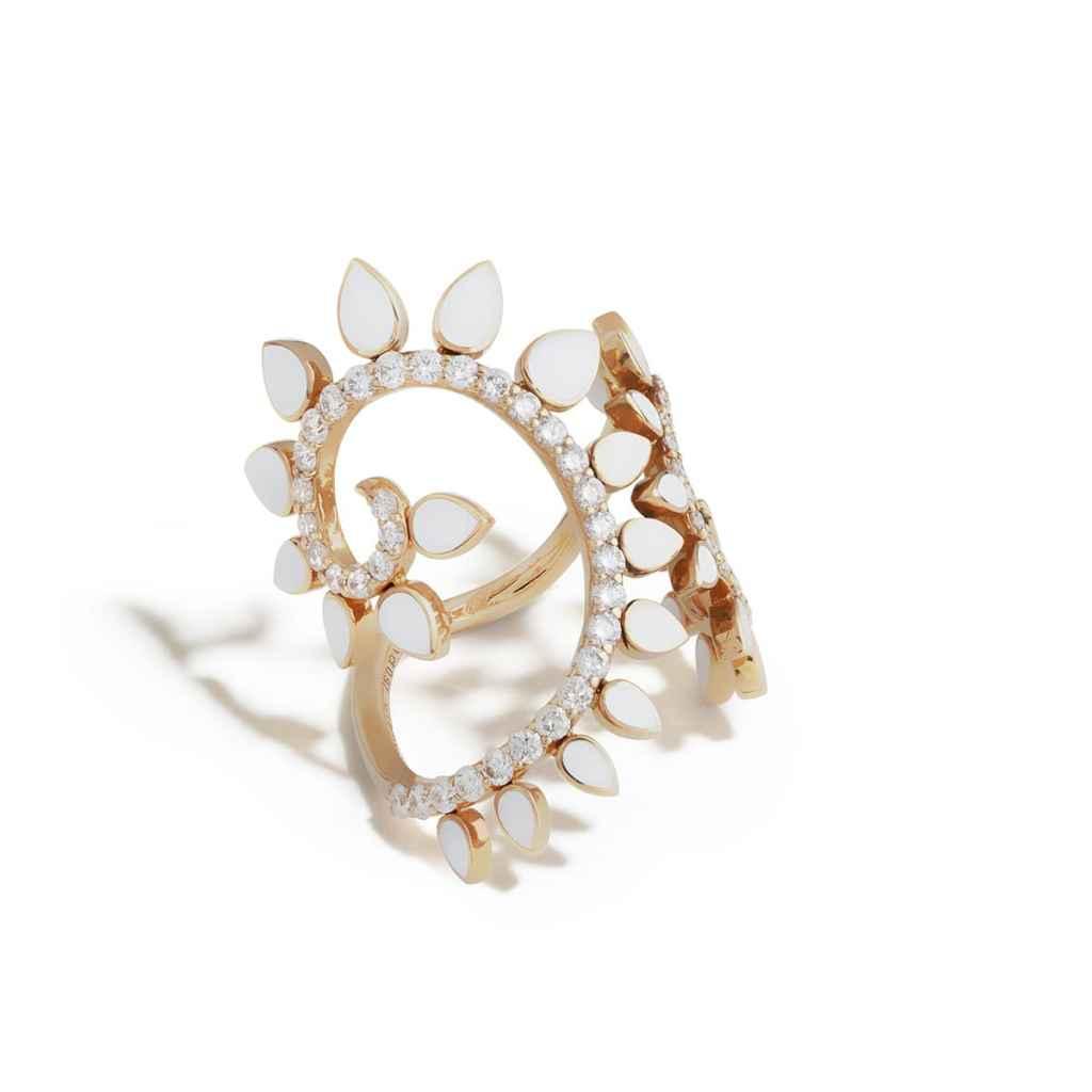 Genesi, dalla spirale aurea il gioiello della rinascita