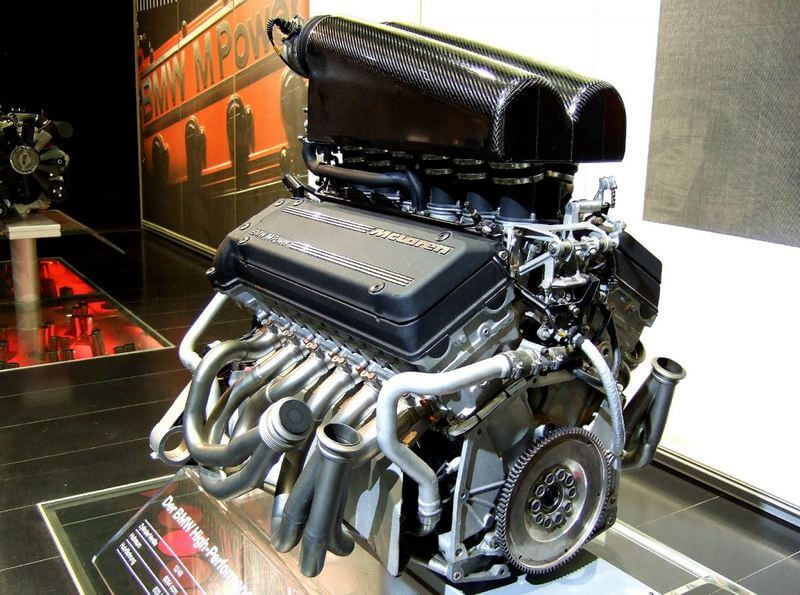 Mclaren f1 v12 s70/02 engine
