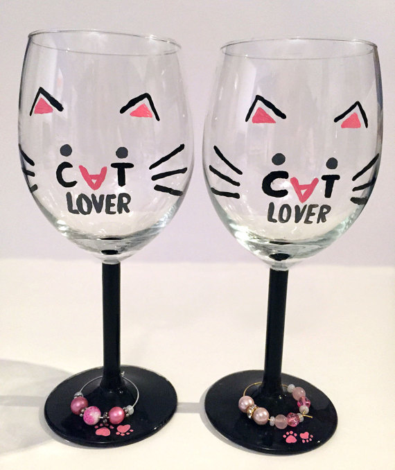 Do you love cats and wine? How about putting the two together with your very own Cat Lovers Wine Goblet? | www.themeowplace.com
