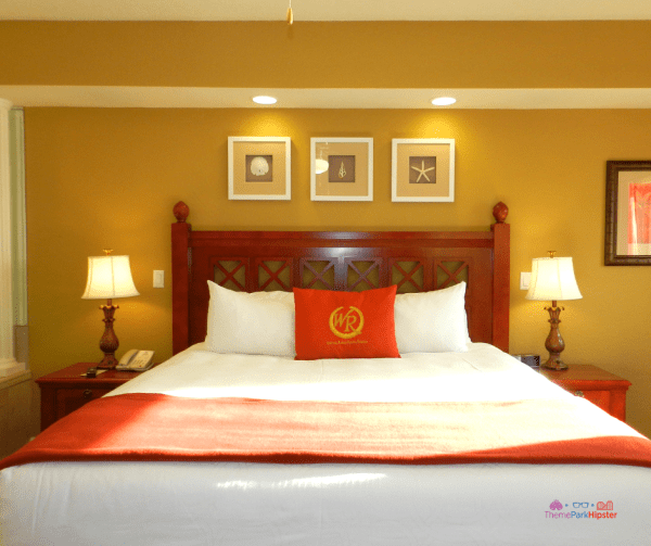 Westgate Lakes Resort Villa Orlando. Giant king size bed in suite.