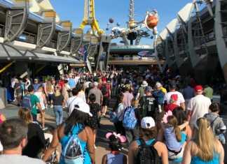 Heavy Crowds in Tomorrowland