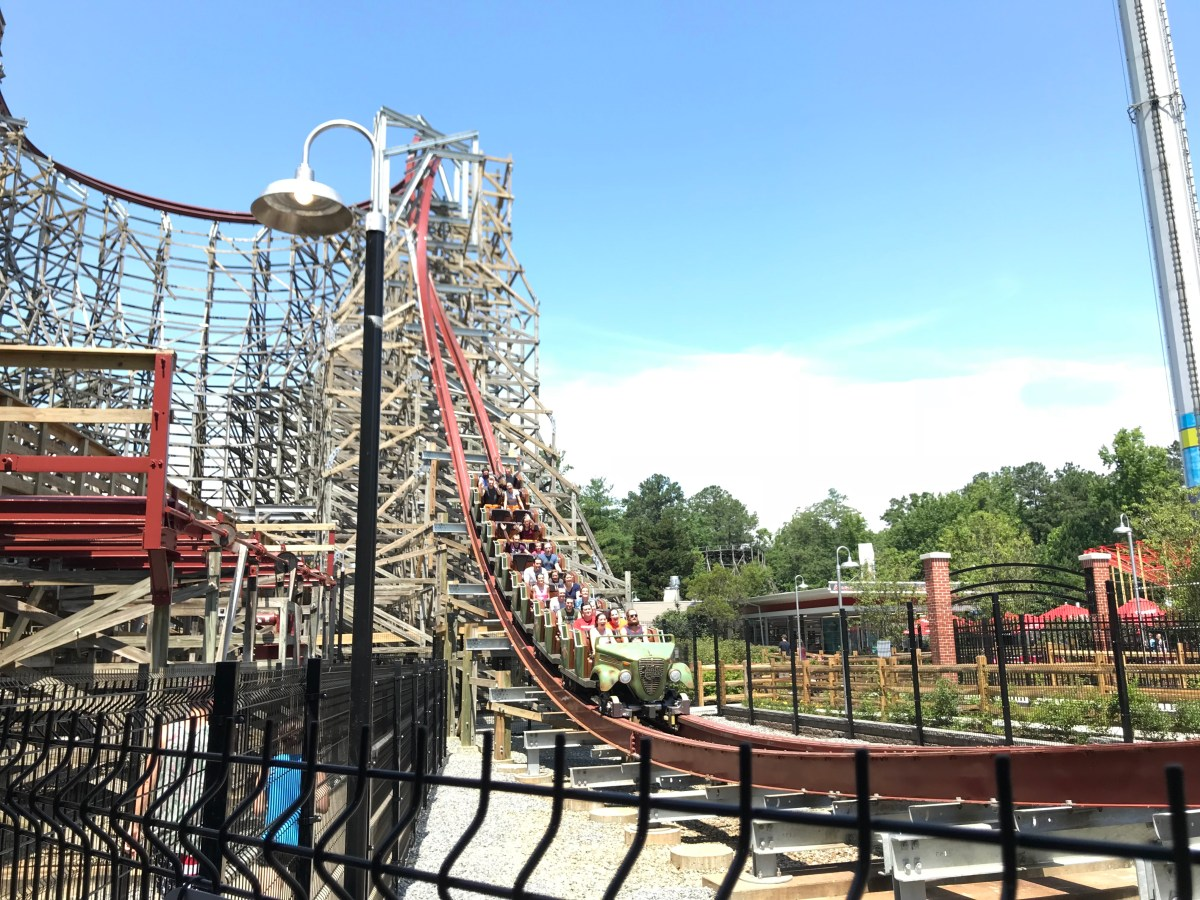 db9fffe382 Review of Twisted Timbers at Kings Dominion – Theme Parks and Travels