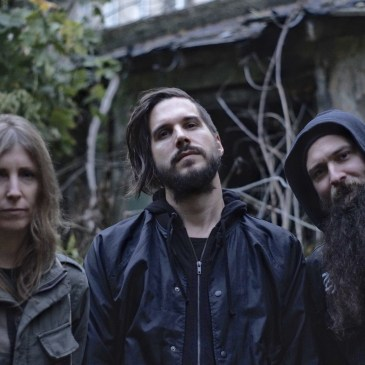 """[NEWS] EARTH SHIP release video for """"A Handful Of Flies"""""""