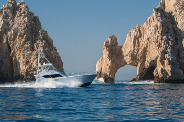 Los Cabos - Fishing at The Arch (www.TheMexicoReport.com)