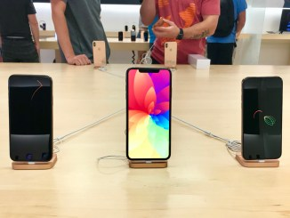 Apple iPhone Xs and iPhone Xs Max Review | Sale starts from Today | Microple