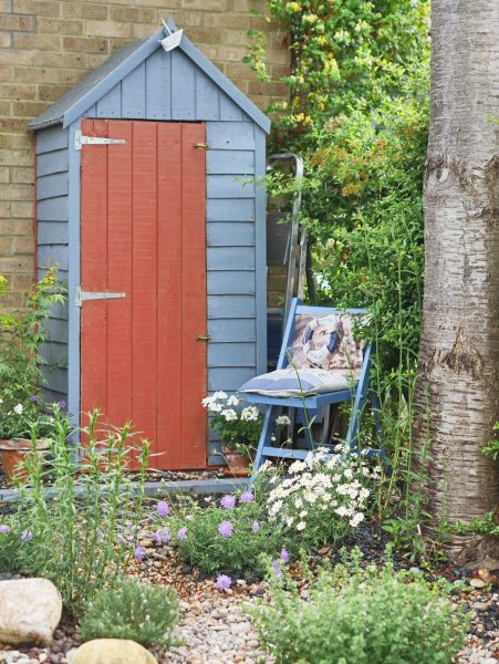 Paint your shed door a contrasting colour