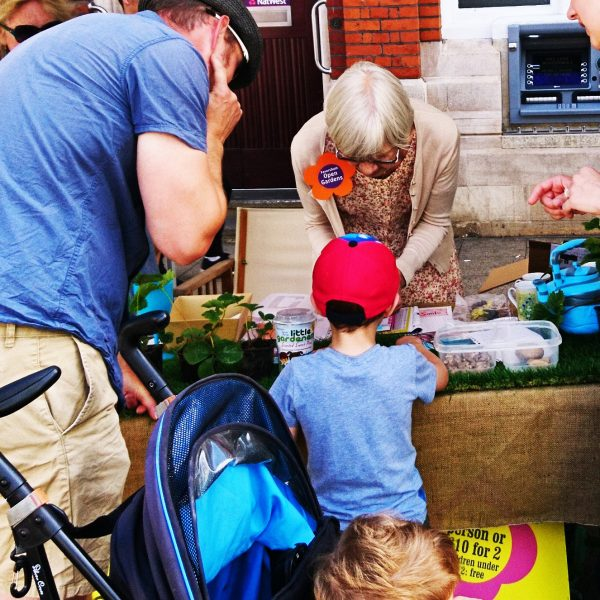 Make children's gardening fun