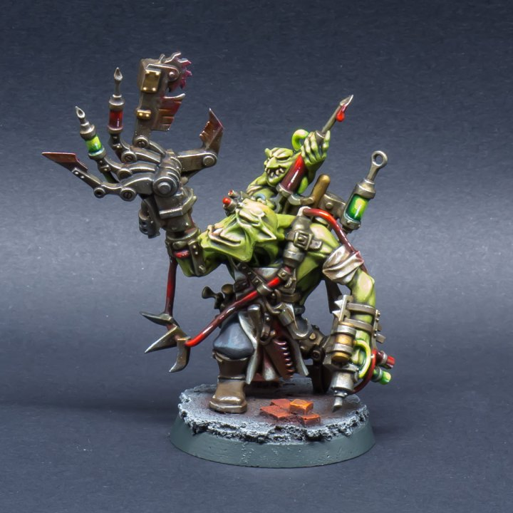 40k-Ork-Bad-Moonz-Painboy-01