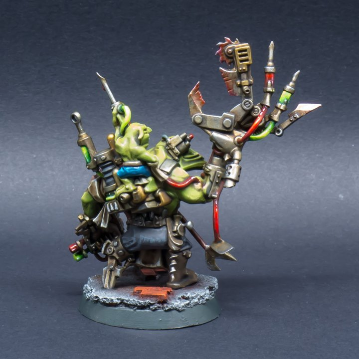 40k-Ork-Bad-Moonz-Painboy-06