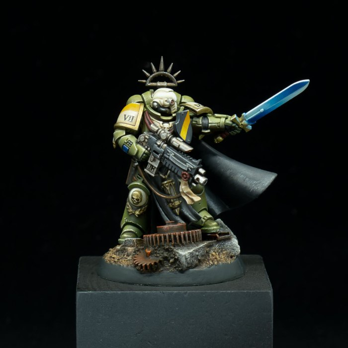 Captain Tuvor of the Raptors 2nd Company