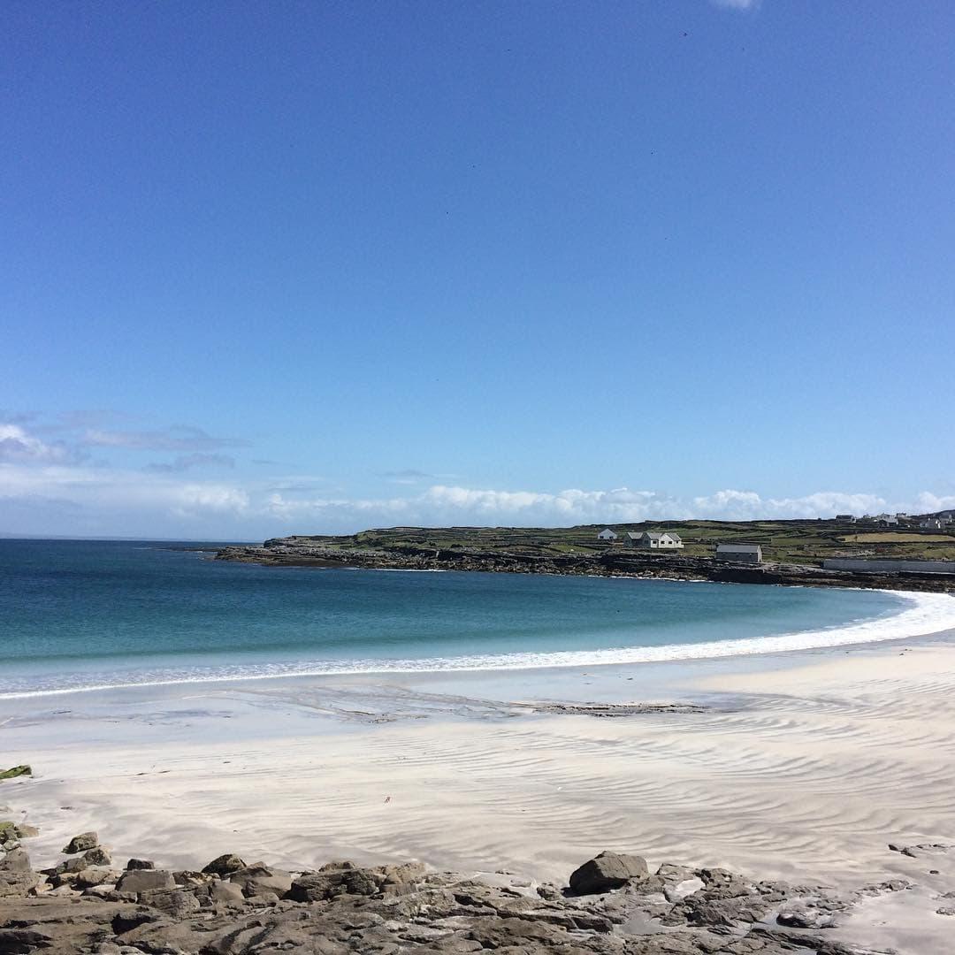 White sands of Kilmurvey Beach, Inis Mor, Ireland.