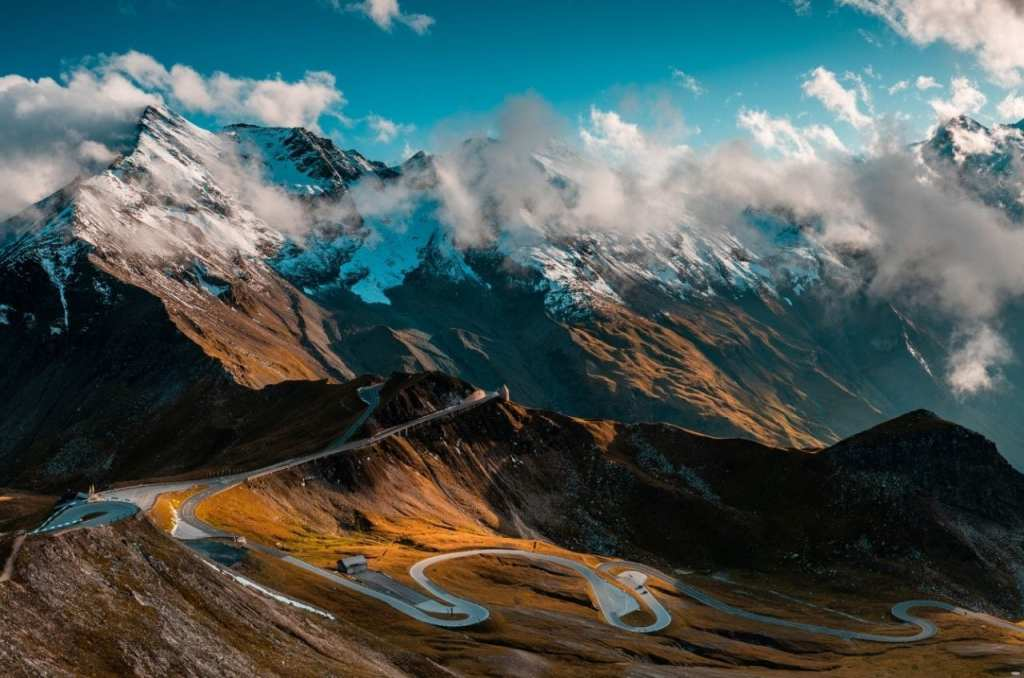 Grossglockner Alpine Road in the Austrian Alps, a road you must drive down to visit Austrian landmarks!