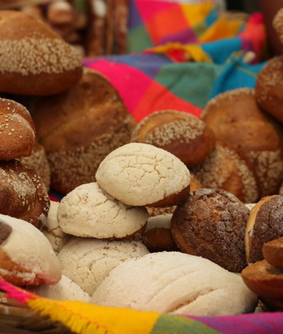 Vanilla and chocolate conchas, among other items, in a market in Oaxaca.